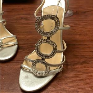 Ivanka trump heel great for wedding or prom!